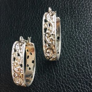 Antique Style Silver tone Earrings